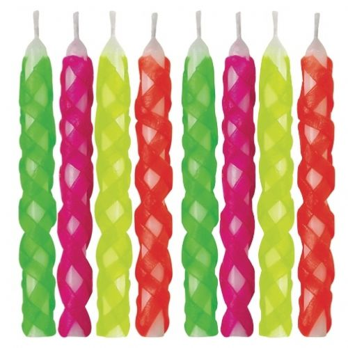 Lattice Candles Hot